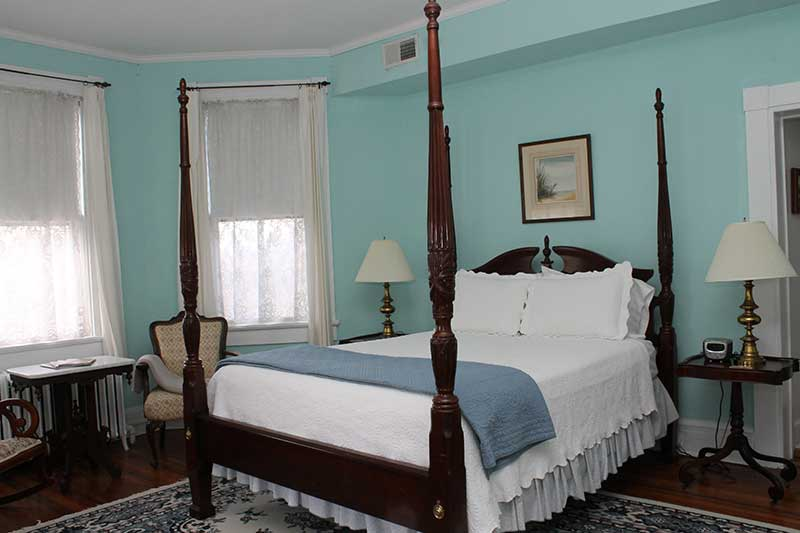cambridge-house-bay-room
